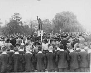 Twickenham War Memorial Credit: Original material held by Richmond upon Thames Local Studies Library and Archive